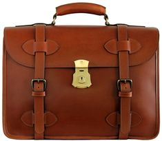 Nostalgic and functional. True to life replica of the original US Army issued briefcase. Crafted for both casual office atmosphere and high-performance boardroom setting Briefcase For Men, Leather Briefcase, Leather Case, Tan Leather, Suitcase Bag, Handbag Patterns, Leather Projects, Custom Leather, Us Army