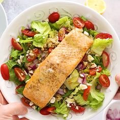 This Mediterranean salmon salad is loaded with flavor incredibly healthy and gluten-free Packed with tomatoes quinoa red onion feta almonds and dressed with a lemon vinaigrette salad salmon Salad Recipes Healthy Lunch, Salmon Salad Recipes, Salad Recipes For Dinner, Chicken Salad Recipes, Healthy Meal Prep, Seafood Recipes, Healthy Eating, Dinner Healthy, Healthy Chicken