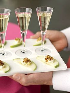 Granny Smith apples with brie and walnuts, paired with tasting-size glasses of Sancerre