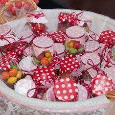 Detalles de Boda dulces. Tarros de chuches. #detallesdeboda #boda Vegetables, Instagram, Food, Sweets, Essen, Vegetable Recipes, Meals, Yemek, Veggies
