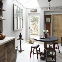 dining-room--vintage-house--Ideal-Home