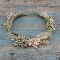Buy Pampas Prairie Hair Crown online or contact us to order. Flower Crown Hairstyle, Crown Hairstyles, Hair Crown, Wedding Order, The Wedding Date, Flowers In Jars, Dried Flowers, British Flowers, Flower Company