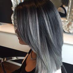 #ShareIG Wauw, dit is pas Hairforce!!! @naomiarielx is dé topper die dit gemaakt heeft. #Affinage #Gothic #Hairforce #kapper #color #grey #grijs #stunning #infiniticolor #Infiniti #Groningen #trots!
