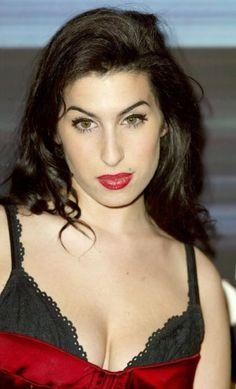 Amy-Winehouse.jpg (374×617)