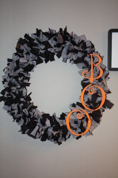Halloween Rag Wreath Holiday Crafts, Holiday Ideas, Rag Garland, Decorating Ideas, Craft Ideas, Fall Cards, Front Door Decor, Holidays Halloween, Diy Projects To Try