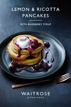 Similar to American-style pancakes, these lemon and ricotta hotcakes are light and fluffy. Drizzle over the sticky blueberry syrup and serve with yogurt or cream for a Pancake Day treat. Tap for the full Waitrose & Partners recipe. Baking Recipes, Dessert Recipes, Pancake Recipes, Lemon Ricotta Pancakes, Matcha, Delicious Desserts, Yummy Food, Blueberry Syrup, Recipes From Heaven