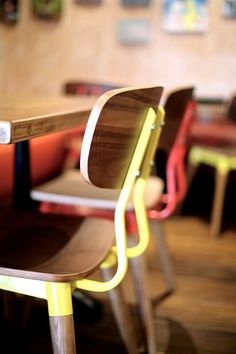 Cafe chair design // Restaurant Furniture // Cafe Furniture // Bar Furniture // Art // Outdoor Cafe // Afternoon drink // Bentwood Chair