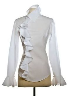 Anne Fontaine ~ The White Shirt Diy Kleidung, Classic White Shirt, Business Outfit, Beautiful Blouses, White Shirts, White Blouses, My Wardrobe, Blouse Designs, Style Me