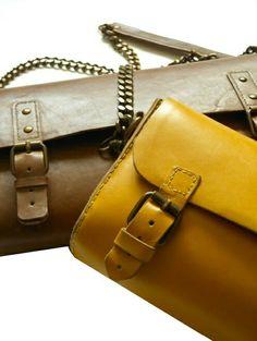Yellow # brown http://www.dupelli.it/Du_Pelli/Du_Pelli_Benvenuto%21.html