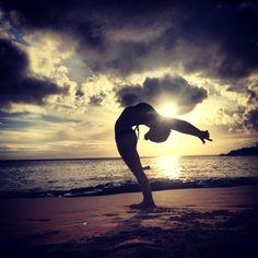 Yoga on a beach! The art of #Yoga