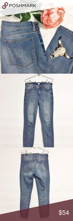 JCREW Stretch Capri Denim Jeans Jcrew Jeans that have a nice stretch. These are a capri put with an inseam of 26. Adorable with a great pie of pumps! Offers accepted. No trades. J. Crew Jeans Ankle & Cropped