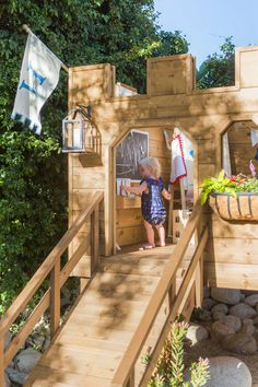 65 Creative House Exterior Backyard Playground Landscaping Ideas On A Budget Backyard Fort, Backyard Playset, Large Backyard Landscaping, Backyard Playground, Backyard For Kids, Backyard Projects, Preschool Playground, Playground Ideas, Landscaping Ideas