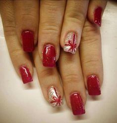 25 Christmas Nail Art Designs That You Will Love To Copy - Nail Polish Addicted Christmas Present Nail Art, Cute Christmas Nails, Holiday Nail Art, Xmas Nails, Winter Nail Art, Winter Nails, Christmas Time, Simple Christmas, Red Nails