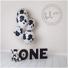 Ideas Birthday Cake Boys Farm Cow Print For 2019 Boys 1st Birthday Party Ideas, 1st Birthday Photoshoot, First Birthday Pictures, Baby Boy First Birthday, First Birthday Gifts, Cow Print Birthday, Farm Birthday, Birthday Cake, Cow Baby Showers
