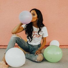 Back to are officially starting now! Get the latest in & with Turn heads when you step on campus and have everybody tell you how good you look ; Tumblr Birthday, Girl Birthday, Cake Birthday, Birthday Post Instagram, Birthday Gifts, Cute Birthday Pictures, Happy Birthday Photos, Jenna Ortega, Foto Casual