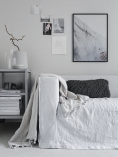 As part of our sustainability campaign we enlisted the help of stylist Pella Hedeby to update an old IKEA Klippan sofa with a Bemz Loose Fit cover in Silver Grey Rosendal linen