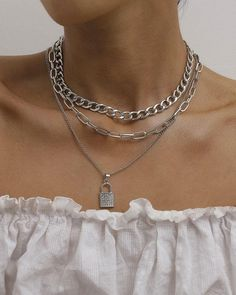 Grunge Accessories, Grunge Jewelry, Jewelry Accessories, Fashion Accessories, Colar Fashion, Fashion Necklace, Fashion Jewelry, Fashion Bracelets, Piercings
