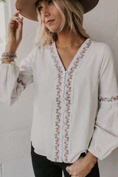 ae333553f101 799 Best embroidered tops images in 2019   Embroidery patterns ...