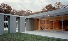 SBA_Picture Window House Shigeru Ban, inspiration from Mies Van der Rohe