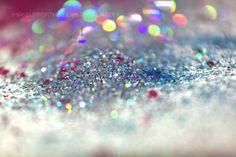 makeupfortheweak:    Glitter :3