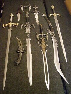 by Ravenusdeath on DeviantArt- Kit Rae blades. by Ravenusdeath on DeviantArt Kit Rae blades. by Ravenusdeath on DeviantArt - Armas Ninja, Pretty Knives, Cool Knives, Anime Weapons, Weapons Guns, Zombie Apocalypse Weapons, Swords And Daggers, Knives And Swords, Kit Rae