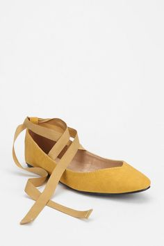 Urban Outfitters Yellow Ankle-Tie Skimmer