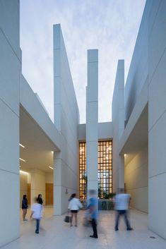 Gallery of 100 Walls Church / CAZA - 4