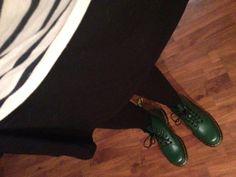 Dr. Martens 2976 Vegan Cambridge Chelsea Boot Burgundy