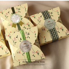 Discount Hot Sale Diy Tiny Flower Paper Mooncake/Candy Boxes And Gift Packaging For Wedding, Festival Party, From China Handmade Soap Packaging, Bakery Packaging, Handmade Soaps, Gift Packaging, Packaging Ideas, Product Packaging, Packaging Design, Festival Party, Arts And Crafts