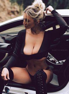 Lindsey Pelas... looking good as always... #lamborghini #sexy #boobs