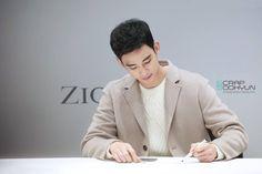 ZioZia fansign 161104   #KimSooHyun #김수현