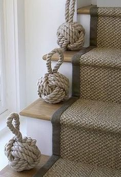Pretty Painted Stairs Ideas to Inspire your Home stair carpet runner (stairs painted ideas) Tags: carpet stair treads, striped stair carpet, stair carpet ideas stair+carpet+ideas+staircase Painted Stairs, Wooden Stairs, House Stairs, Cottage Staircase, Beach House Decor, Home Decor, Beach Houses, Beach Cottages, Grey Carpet
