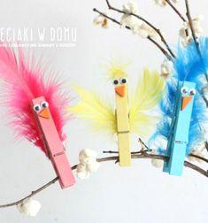 Feathered clothespin birds - fun spring craft for kids // Tollas csipesz madárkák - vidám tavaszi dekoráció // Mindy - craft tutorial collection // #crafts #DIY #craftTutorial #tutorial #NatureCrafts