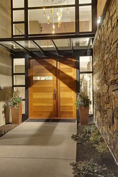 Forest House - Exterior features - contemporary - entry - seattle - by McClellan Architects Modern Exterior, Interior Exterior, Exterior Design, Contemporary Front Doors, Modern Front Door, Front Entry, Modern Entry, Front Stoop, Modern Contemporary