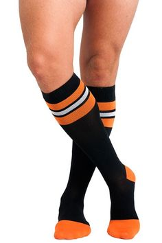 7346790286 Soxxy Socks Goal Men's Compression Sock. Kickin' it 'old school' with this