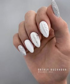 Discovered by lady emrys. Find images and videos about white, nails and christmas on We Heart It - the app to get lost in what you love. Chic Nails, Stylish Nails, Trendy Nails, Christmas Gel Nails, Christmas Nail Designs, Christmas Ornaments, Maroon Nails, Nails Now, Sweater Nails