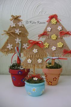 Burlap christmas tree for the class room Burlap Christmas Tree, Felt Christmas Ornaments, Noel Christmas, Handmade Christmas, Christmas Decorations, Christmas Topiary, Kids Crafts, Easy Arts And Crafts, Christmas Craft Projects