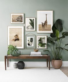 Find inspiration for creating a picture wall of posters and art prints. Endless inspiration for gallery walls and inspiring decor. Create a gallery wall with framed art from Desenio. Small Living Rooms, Home Living Room, Living Room Decor, Modern Living, Green Living Room Ideas, Green Living Room Walls, Dining Room, Living Room Colors, Cozy Living