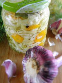 sio-smutki! Monika od kuchni: Sałatka z młodej białej kapusty (na zimę) Fresh Rolls, Healthy Choices, Preserves, Pickles, Cucumber, Cabbage, Salads, Food And Drink, Salad