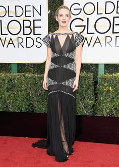 Every Look from the 2017 Golden Globes Red Carpet - Fashionista