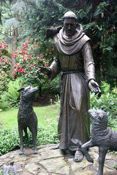 069 St Francis of Asisi Catholic Art, Catholic Saints, Patron Saints, Religious Art, Concrete Sculpture, Sculpture Art, St Francis Statue, Sun Sisters, Patron Saint Of Animals