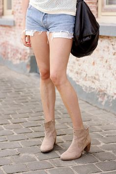 Back to Basics in Denim Shorts and Nude Boots