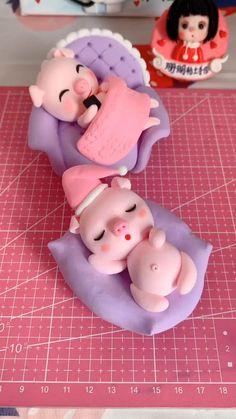 Polymer Clay Disney, Cute Polymer Clay, Cute Clay, Polymer Clay Crafts, Diy Clay, Fondant Animals, Clay Animals, Cake Decorating Videos, Cake Decorating Techniques