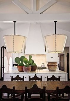 Actress Diane Keaton and longtime friend and designer Stephen Shadley a revitalized a Spanish Colonial Revival house in Beverly Hills Decor, Rustic Kitchen, Colonial Revival, Celebrity Kitchens, Amber Interiors, Amber Interiors Design, Home Decor, House Interior, Colonial House