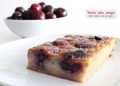 Esta receta de Clafoutis de cerezas es típica de la región francesa de Limoges y se sirve en comidas familiares, en el campo, durante la temporada de las cerezas. http://postresentreamigos.com/clafoutis-de-cerezas/