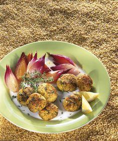 crocchette di bulgur e pesce con cipolle al forno
