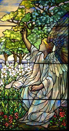 Tiffany angel. Navy Pier, Chicago