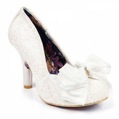 Be a princess for the day in these gorgeous, girly, white glitter encrusted high heels. Comes with a holographic glitter upper and a large triple layered bow with a small irregular choice charm on the toe. Irregular Choice Wedding Shoes, Comfy Wedding Shoes, Exclusive Shoes, Shoes 2017, Types Of Shoes, Bridal Shoes, Shoe Collection, New Shoes, Flip Flops