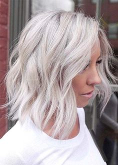 Amazing Textured Bob Cuts & Blonde Highlights for 2019 - Hair Styles Haircuts For Long Hair With Layers, Medium Length Hair Cuts With Layers, Long Layered Hair, Medium Hair Cuts, Medium Hair Styles, Curly Hair Styles, Haircut Medium, Medium Curly, Medium Layered