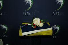#Cocardă pentru mire și naș cu #trandafiri și #mure - #Livrare în #Moldova. #butoniera #boutonniere #berry #rosa #wedding #groom Nasa